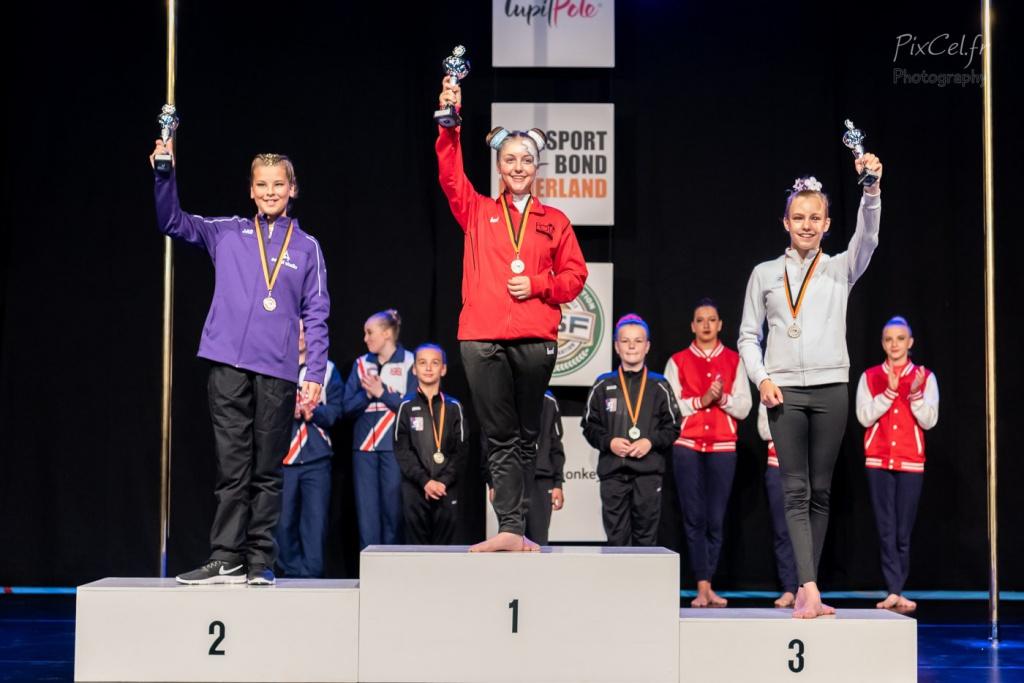 2e plaats voor Iris Jaspers bij NK 2019 Pole Sports Aerial Hoop Novice Female