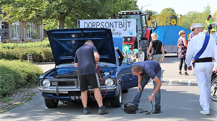 autopech tijdens optocht kermis Drempt 2019