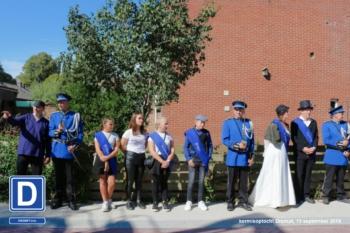 kapitein, luitenanten, Koning, Koningin, Jeugdkoningin, Prins en Prinses