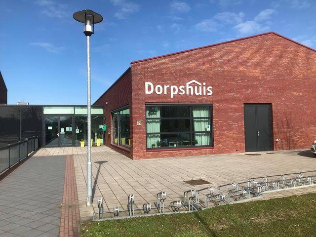 vooraanzicht Dorpshuis