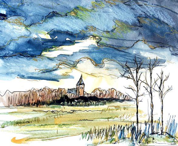 zicht op kerk met donkere lucht