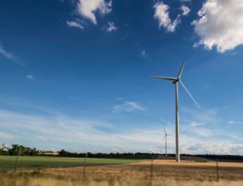 windturbine in het veld